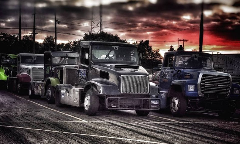 trucks racing